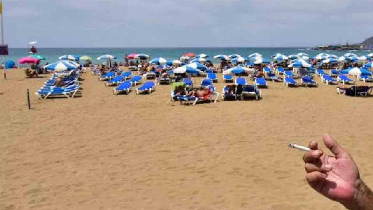 Barcelona camina hacia unas playas sin humo