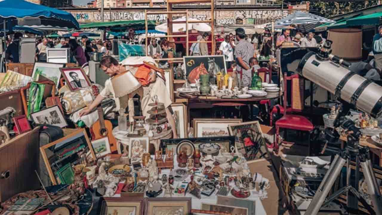 'Encants y espejos de Barcelona. Memoria gráfica de los Encants Feria de Bellcaire'