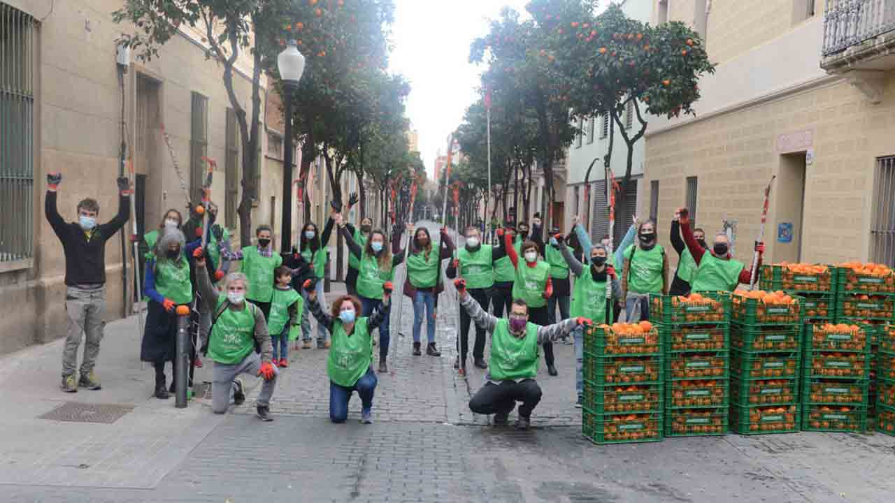 Sant Andreu aprovecha las naranjas de sus calles para hacer mermelada