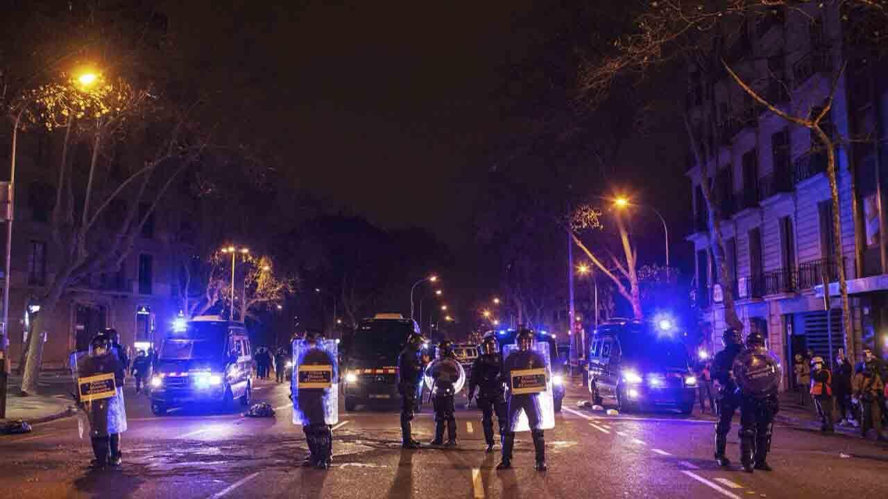 Sexto día de incidentes en las protestas por Pablo Hasel