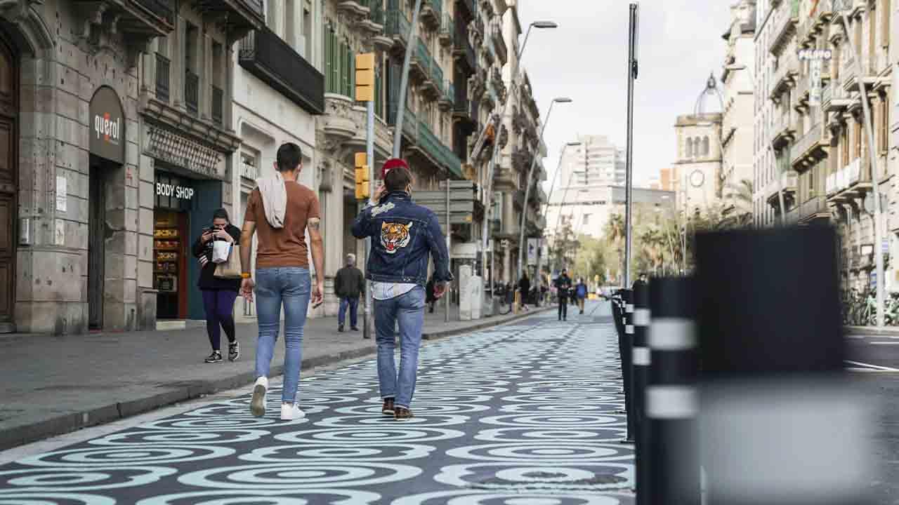 Barcelona estrena la nueva configuración de la calle Pelai