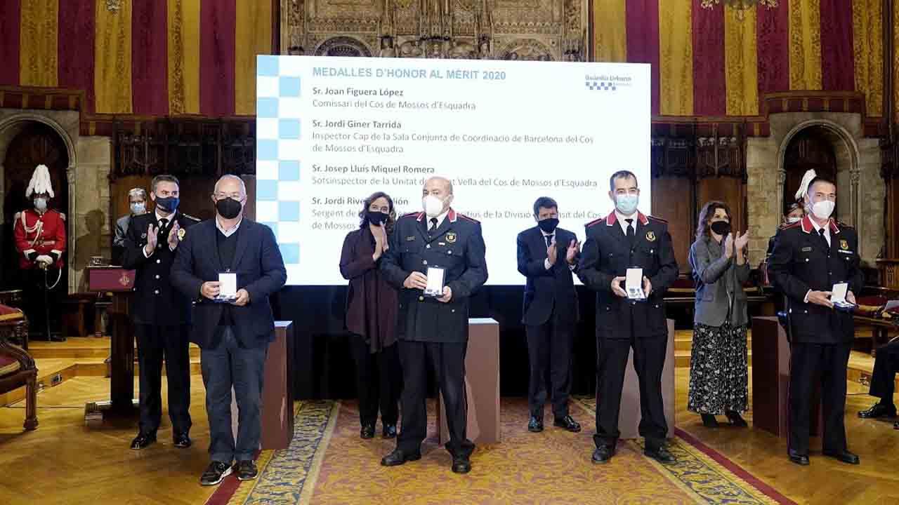 Colau vuelve a condenar el ataque a la Guardia Urbana