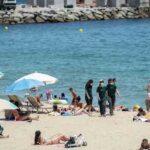Comienza la temporada media de baño en las playas de Barcelona