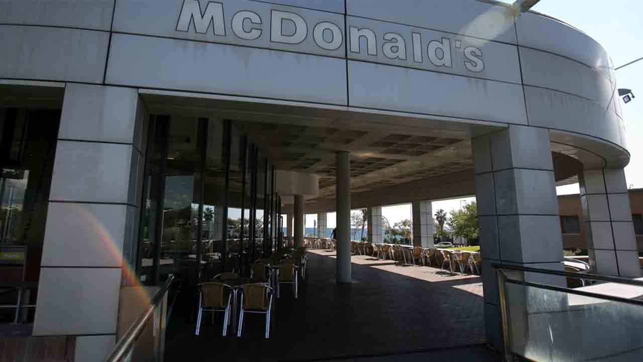 McDonalds seguirá con el restaurante de la ronda litoral