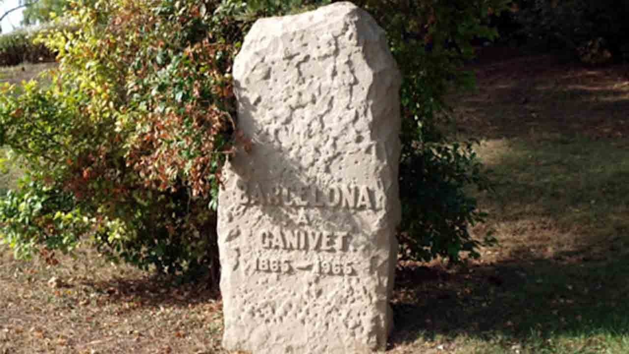Monumento a Ángel Ganivet