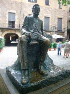 Monumento a Ángel Guimerà