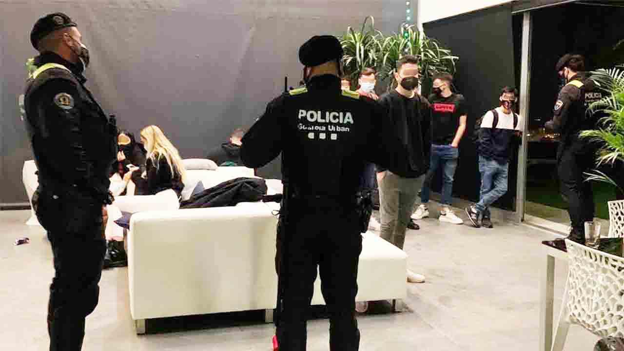 Un futbolista del Olympique de Marsella organiza una fiesta ilegal en Badalona