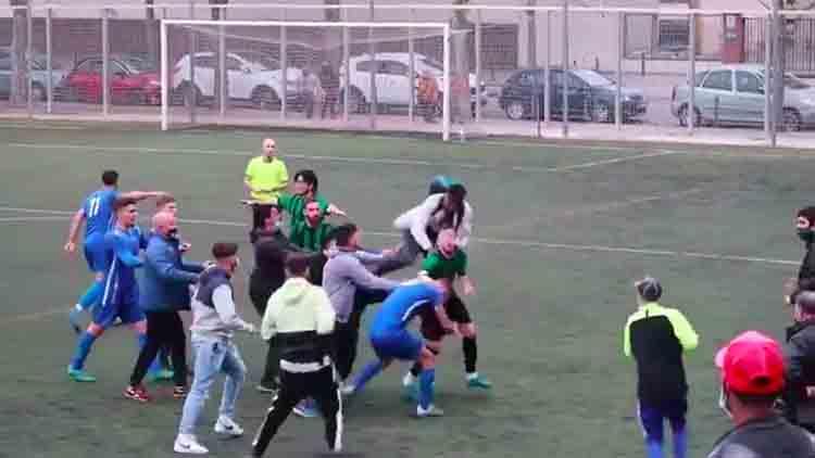 Agresiones en un partido entre el Bon Pastor y el Carmelo