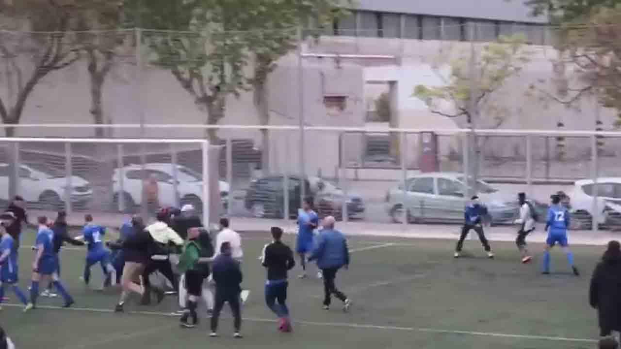 Catalunya refuerza las acciones contra la intolerancia en los campos de futbol