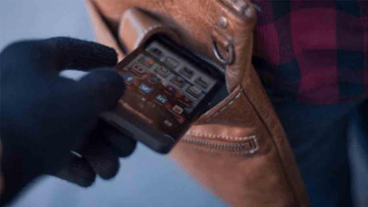 Desarticulado un grupo dedicado a la venta de móviles robados
