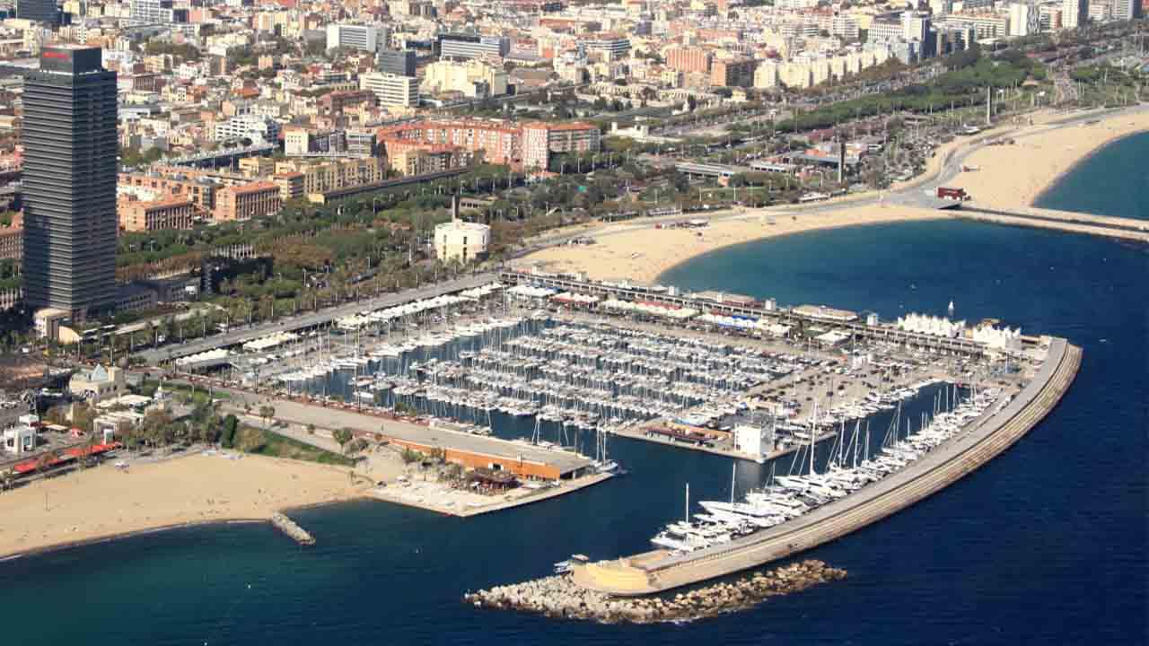 El Puerto Olímpico presenta su plan de futuro en la Comisión de Seguimiento
