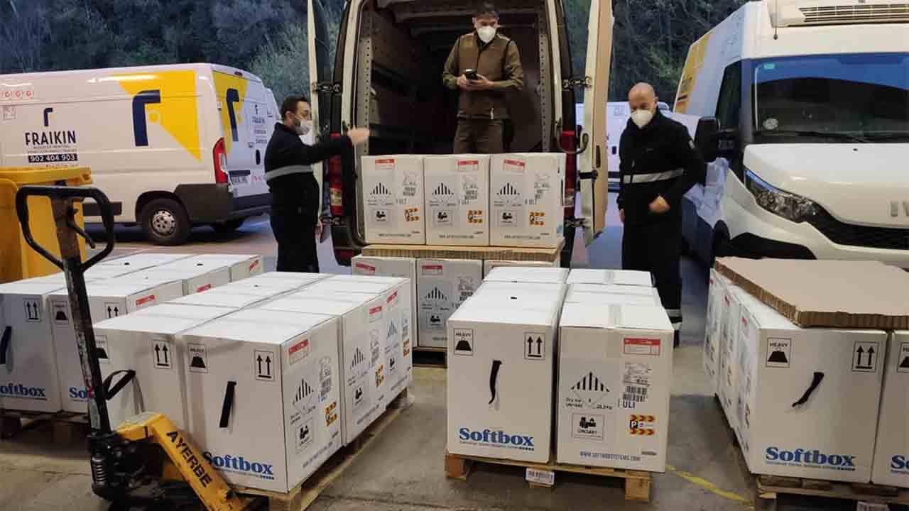 Llegan a Catalunya 193.000 dosis de la vacuna de Pfizer