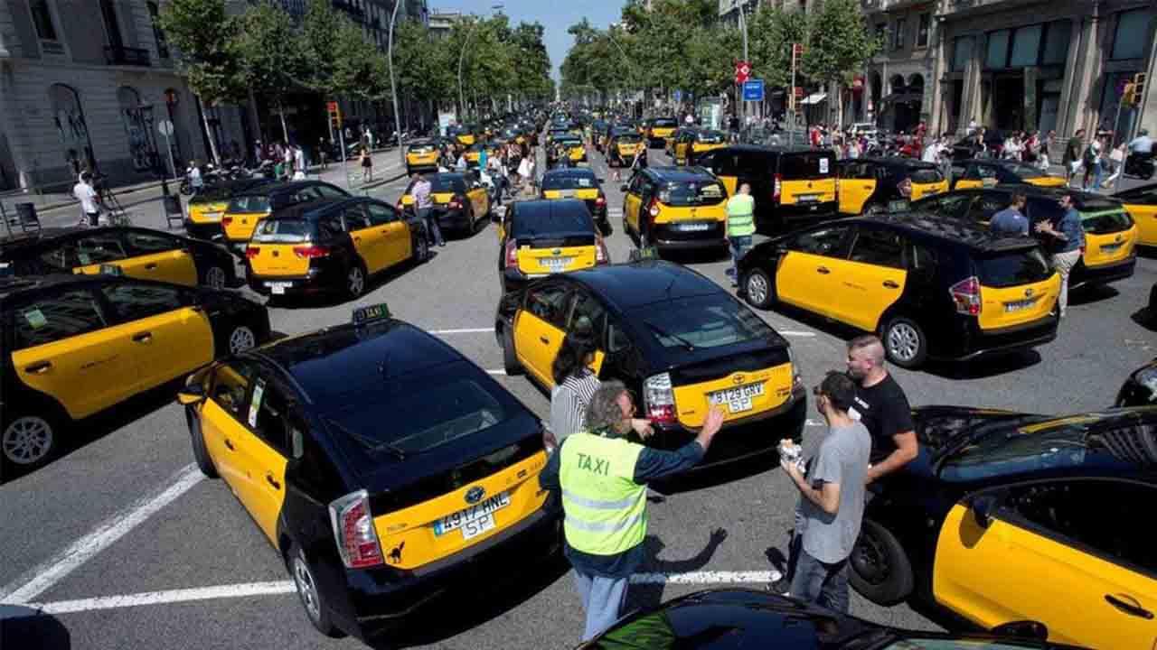 Los taxistas de Barcelona volverán a las calles, se avecina la gran tormenta