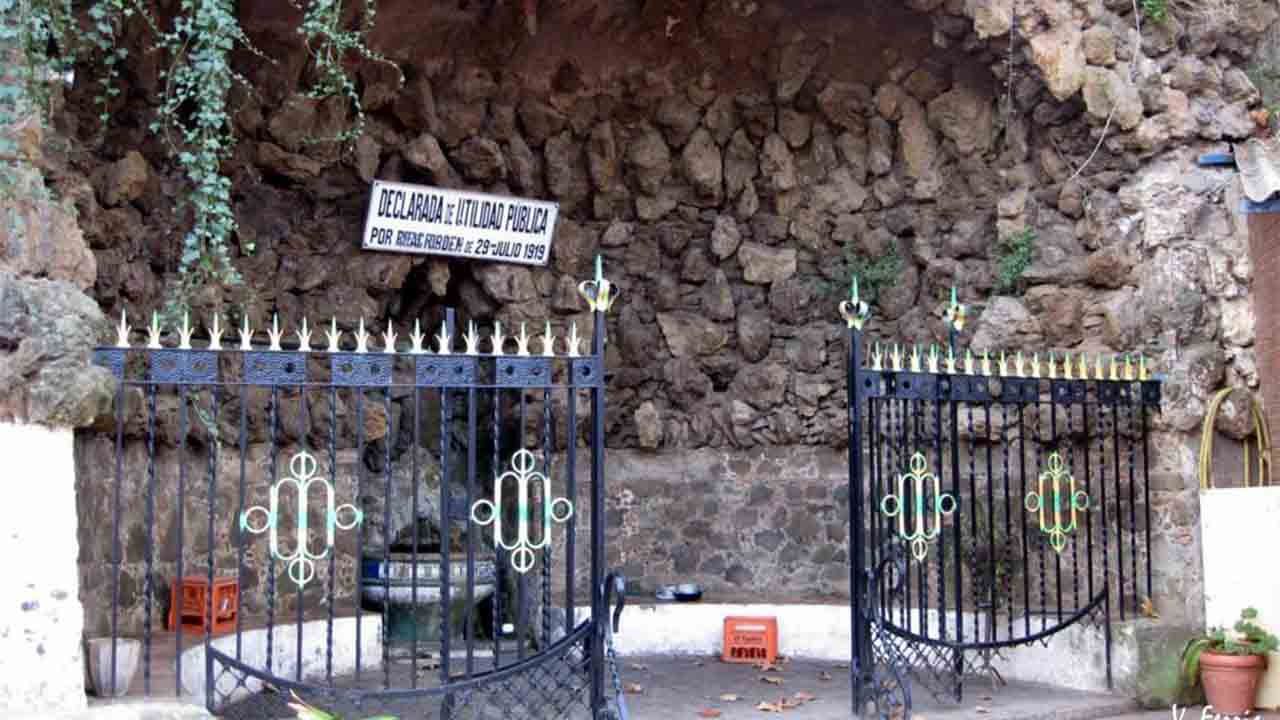 Reurbanización de la plaza Font d'en Fargues de Horta-Guinardó