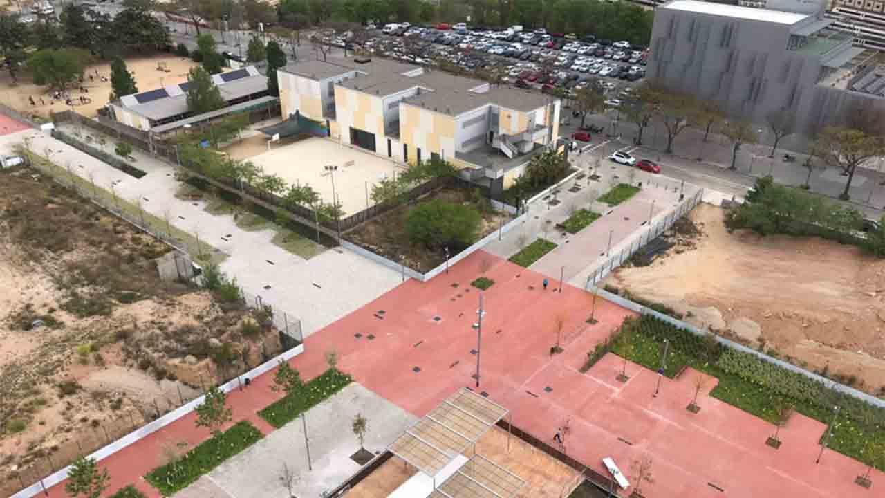 Se estrena la nueva Rambla Marta Mata en los antiguos cuarteles de Sant Andreu