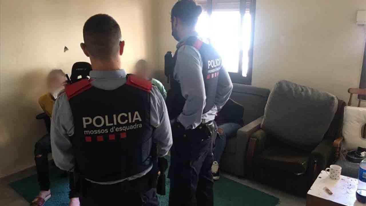 Tres detenidos por un robo violento a un joven al que agredieron con un cuchillo
