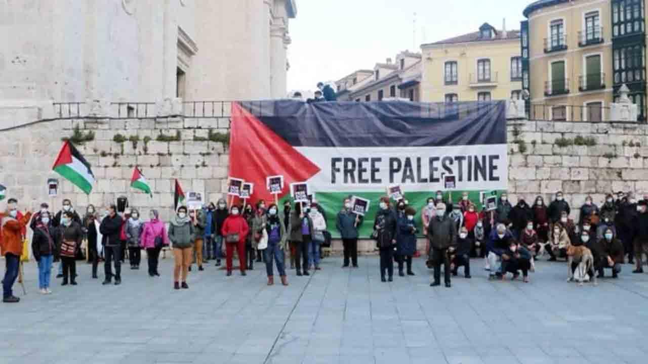 Barcelona exige la liberación de la cooperante Juana Ruiz