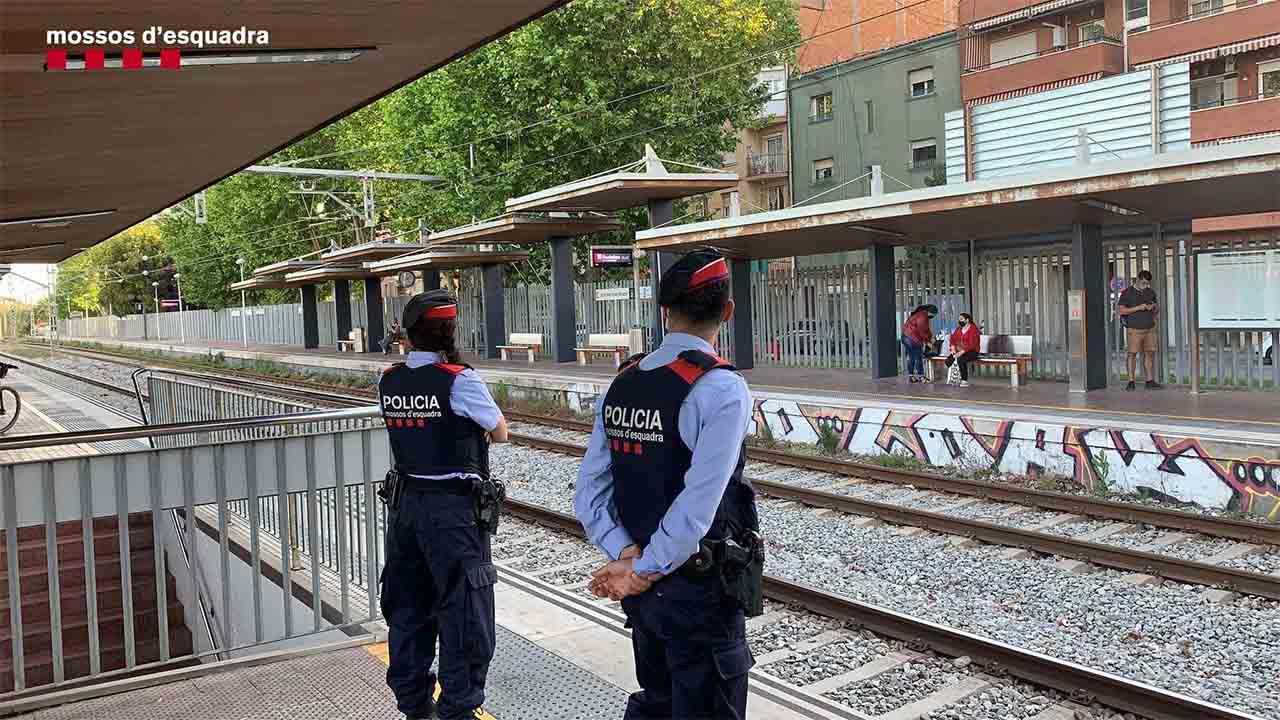 Dispositivo contra los ladrones en la línea R1 de Cercanías en el Maresme