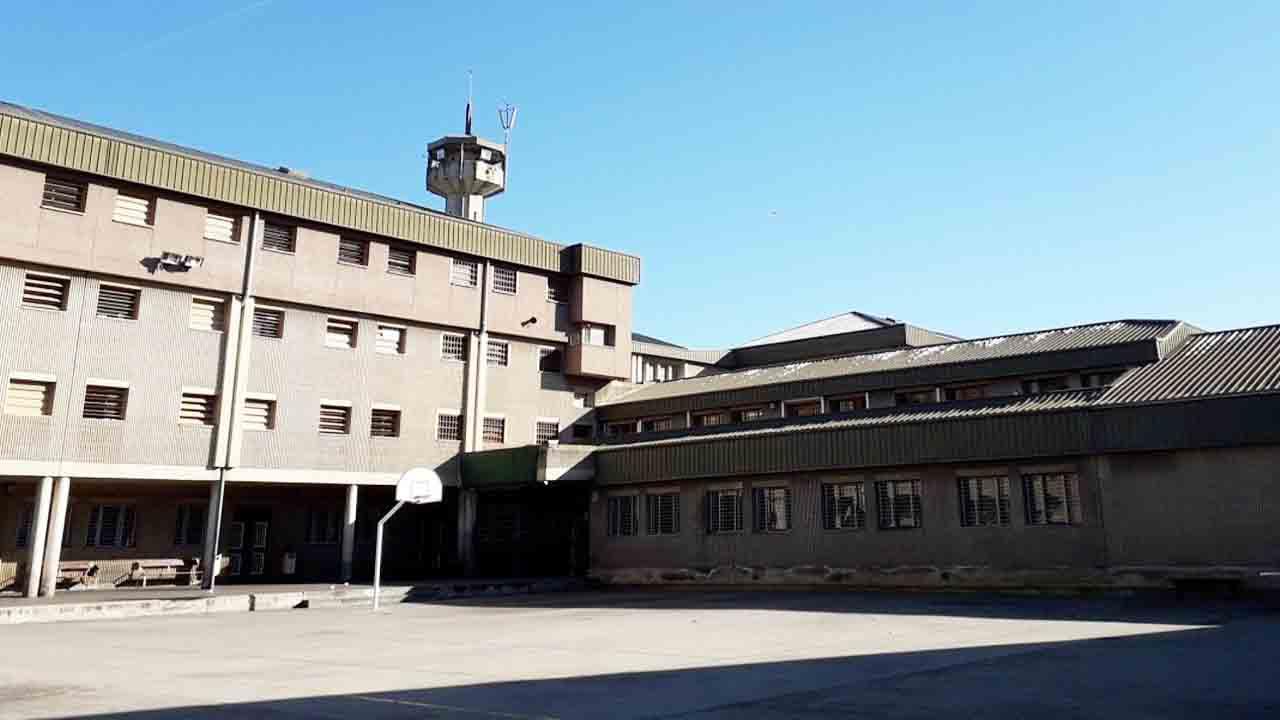 Incendio provocado en dos celdas de la prisión de Quatre Camins