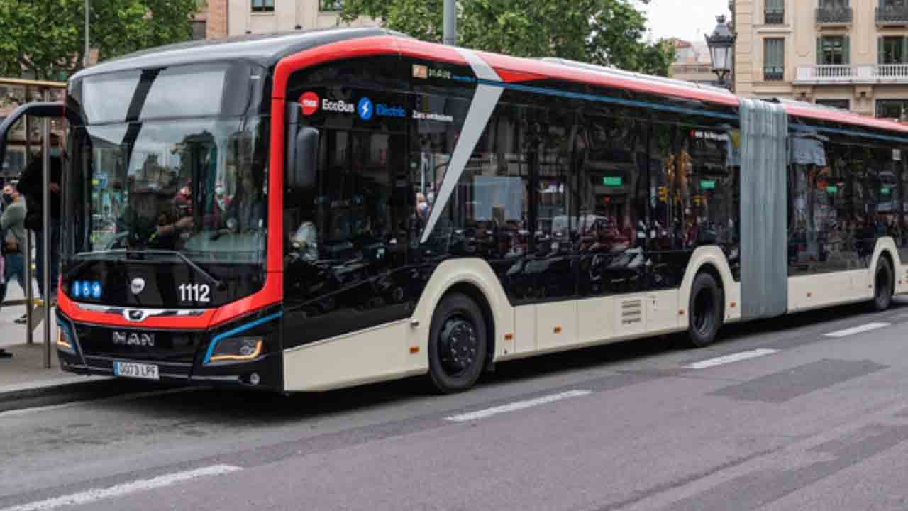 Lion's City 18E, el primer autobús eléctrico de 18 metros de carga nocturna
