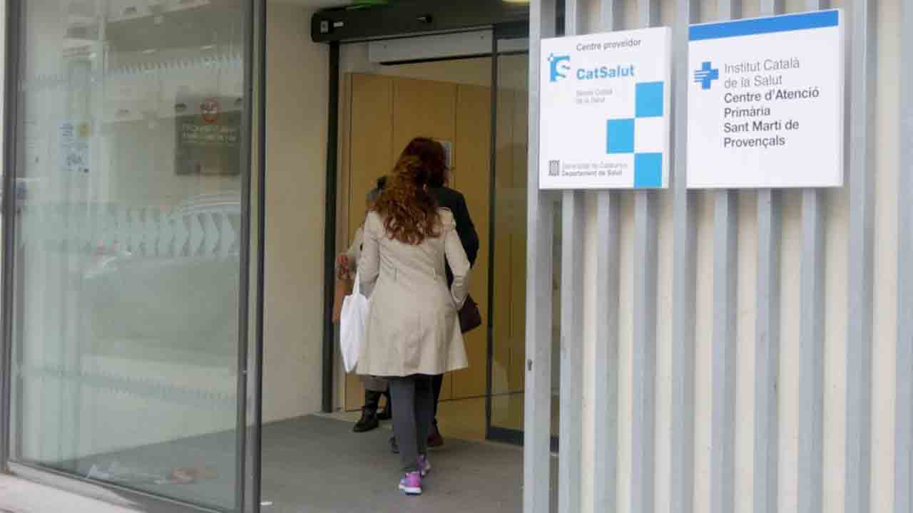 Barcelona pone en marcha 25 puntos de apoyo para la vacunación