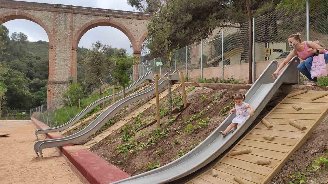 Ciutat Meridiana estrena un nuevo parque con zona deportiva