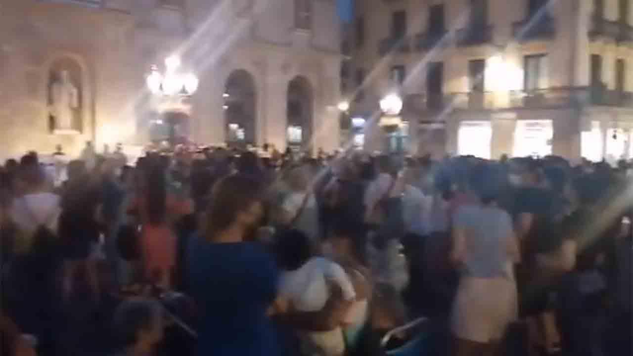 Concentración en la plaza Sant Jaume contra la violencia machista