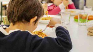 Incremento de ayudas a los comedores de las escuelas secundarias