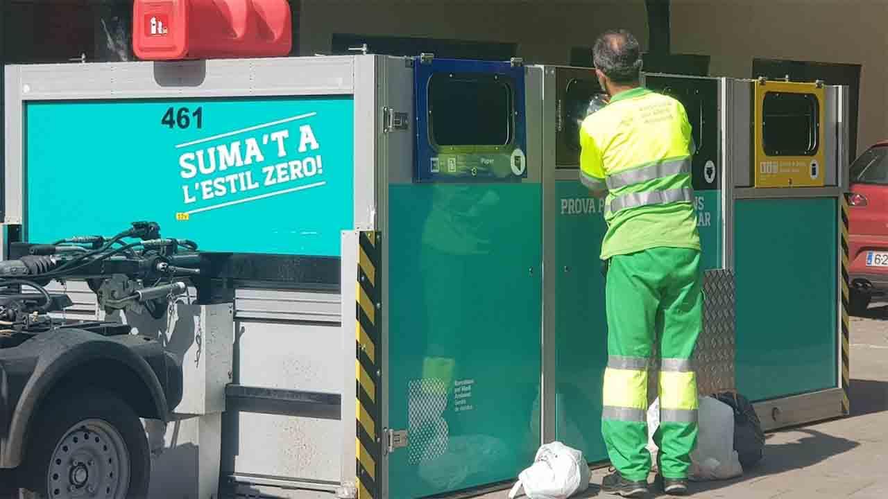 La mitad de los vecinos del Bon Pastor no usan los contenedores móviles de residuos