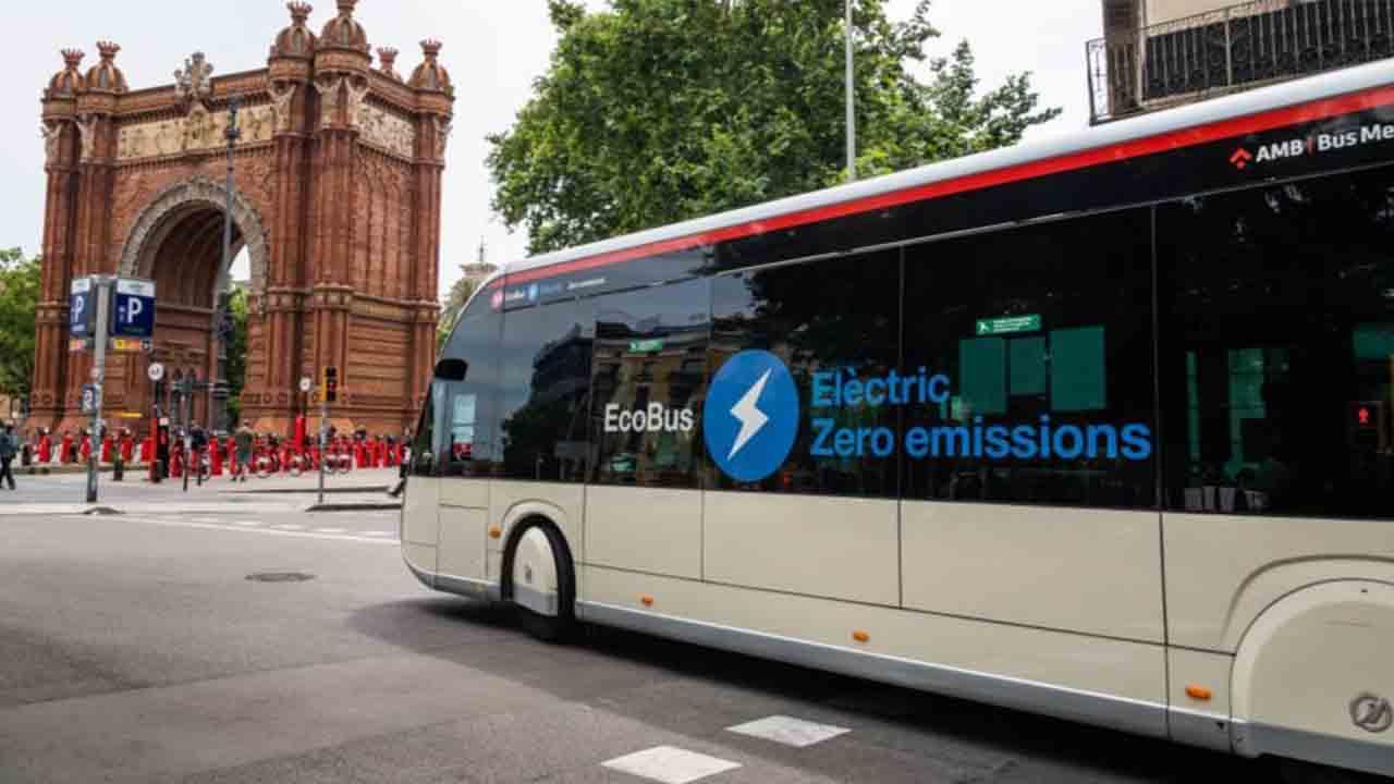 TMB incorpora 69 nuevos autobuses ecológicos, 39 articulados de 18 metros y 30 de 12 metros
