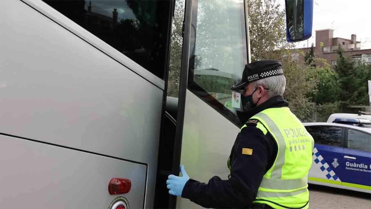 Un conductor de transporte escolar doblaba el limite de alcohol permitido