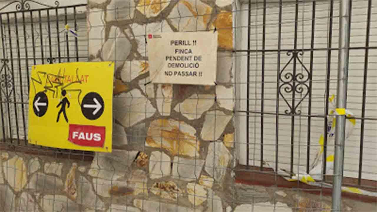 Desalojados tres edificios más del pasaje Sigüenza en El Carmel