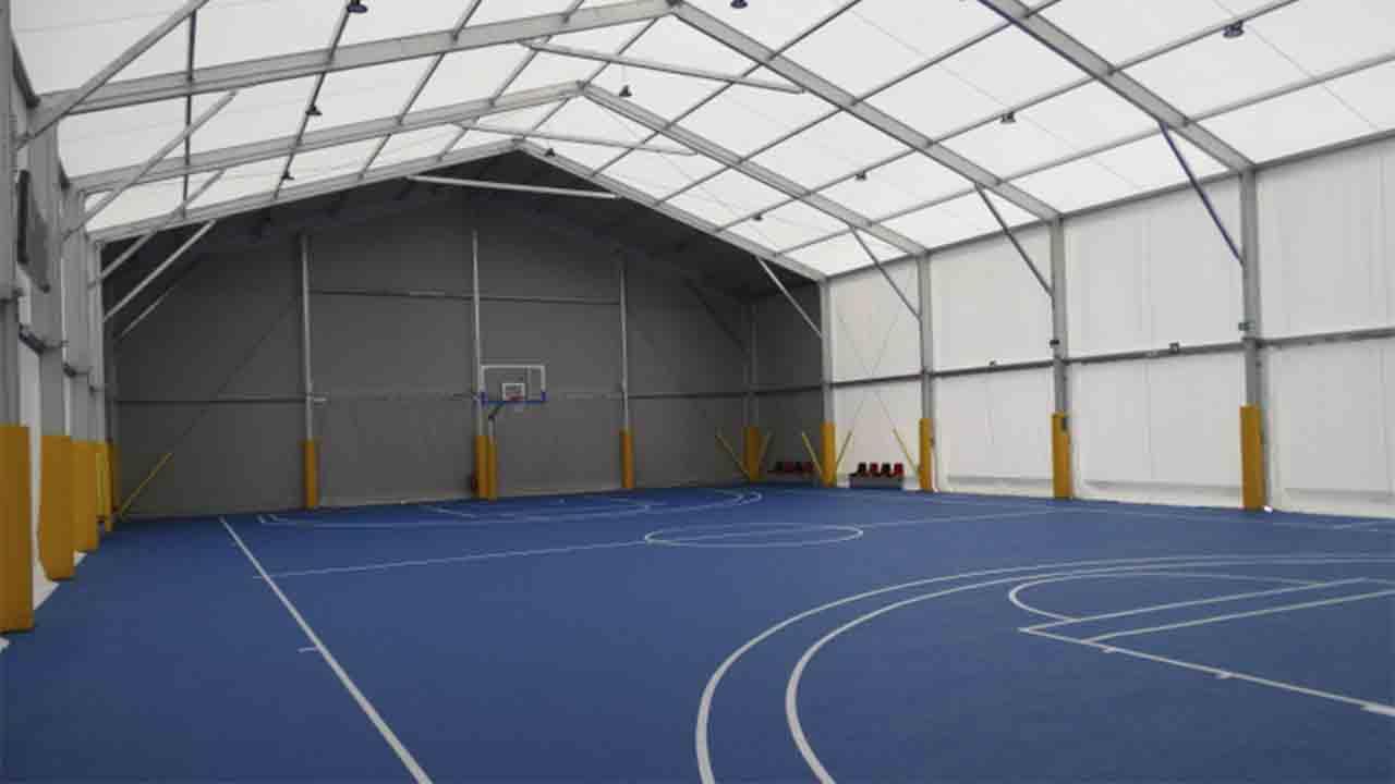 El barrio de Canyelles estrena nueva pista de basquet