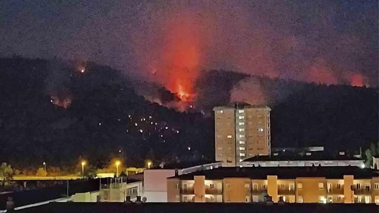 El incendio del Baix Llobregat ya ha quemado 152 hectáreas