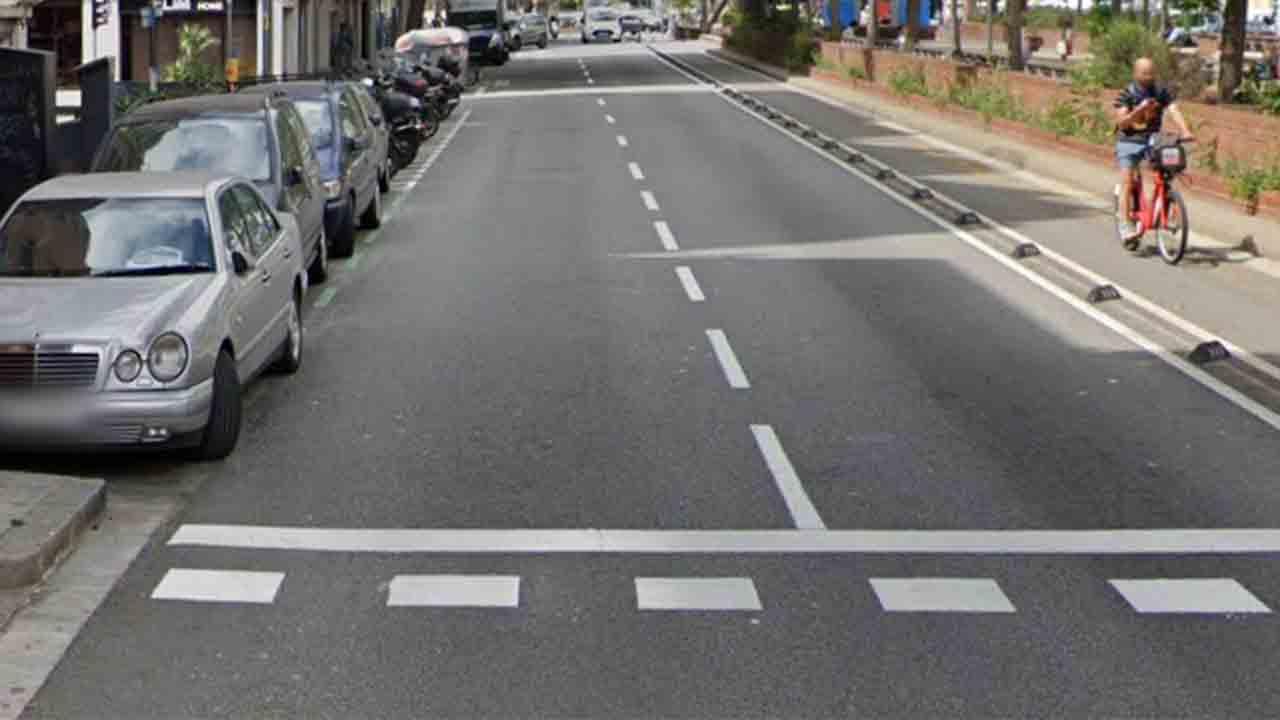 Muere una motorista de 22 años en un accidente en la calle Aragó