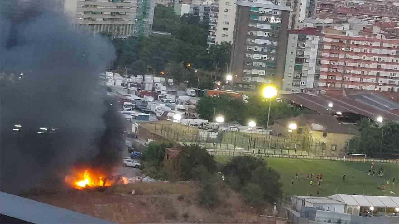 Se desata un pequeño incendio en La Verneda i la Pau