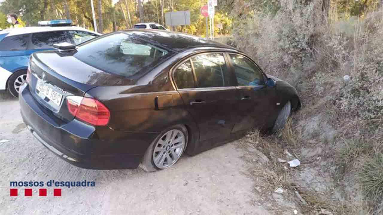 Un conductor bebido abandona a su hijo menor después de un accidente