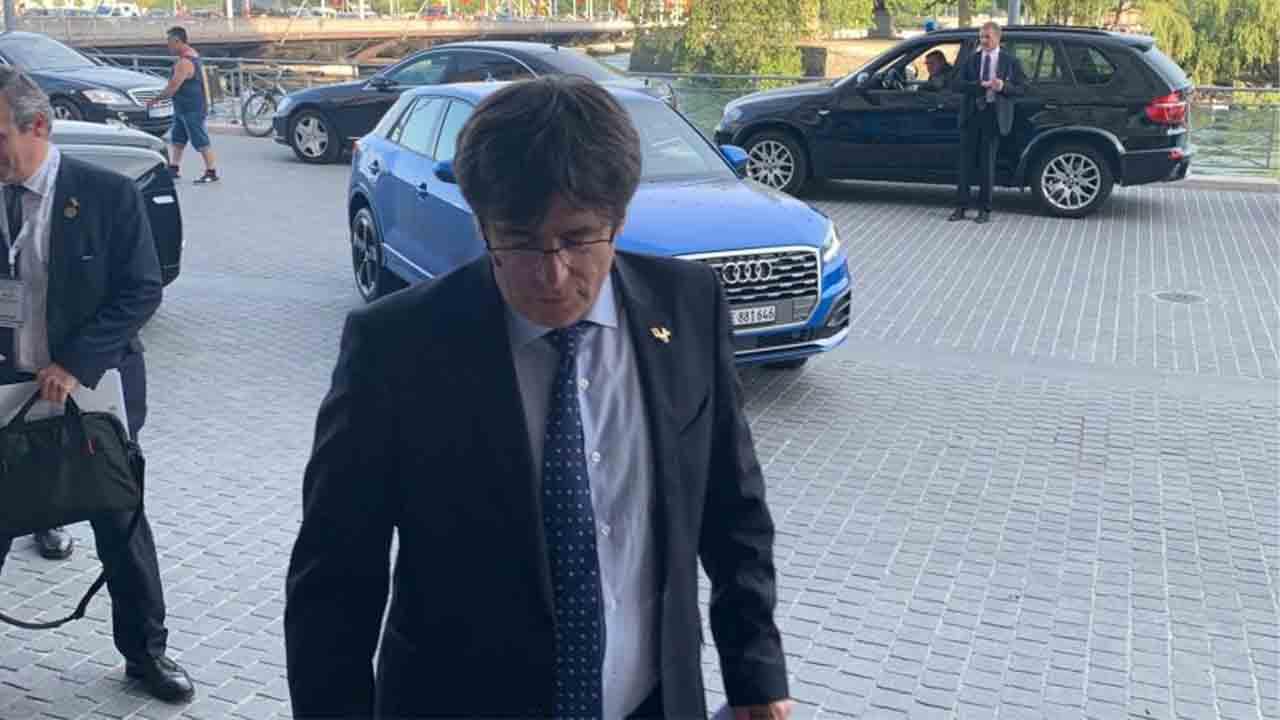 Detienen a Puigdemont en Italia por la orden emitida por Llarena