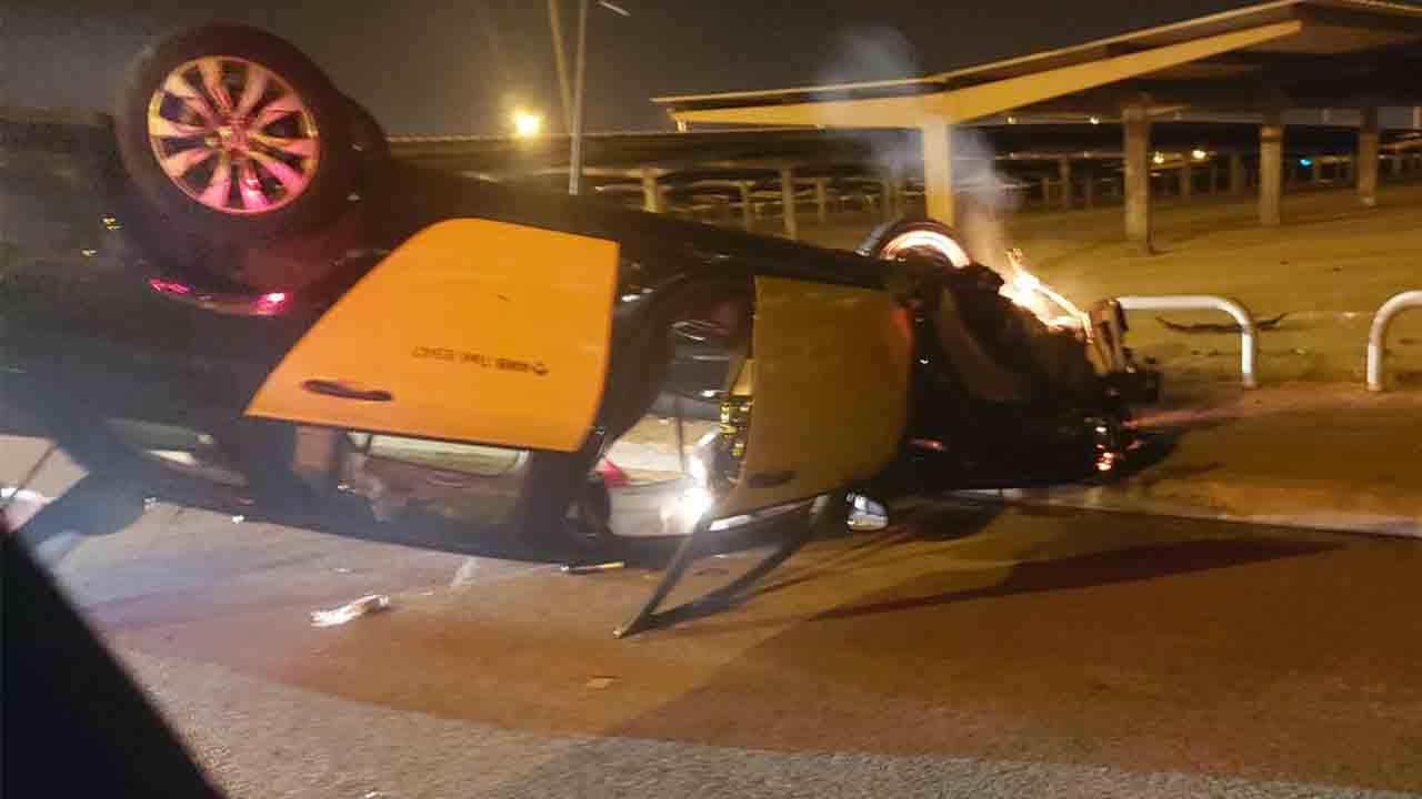 Accidente de un taxi en la Terminal 2 del Aeropuerto