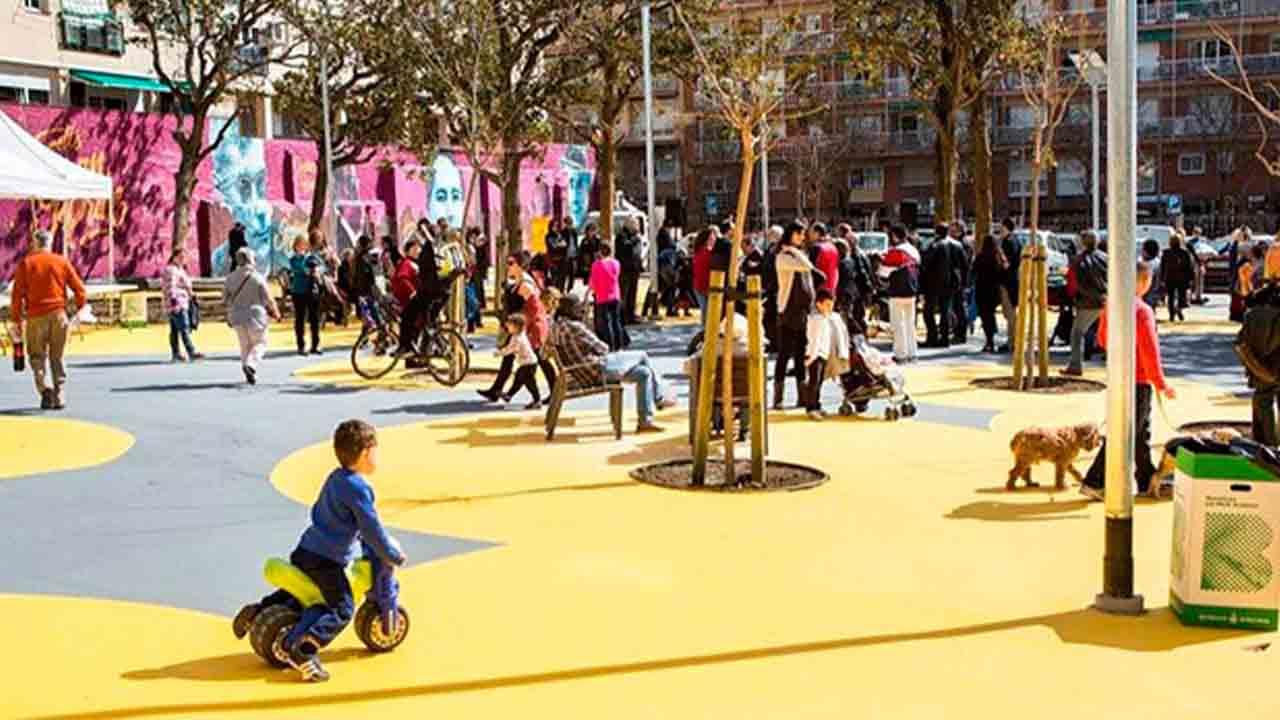 Barcelona recuperará un millón de m² con la Superillas
